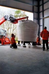 Ankunft der Stills in der Produktionshalle, Bild: R&B Distillers