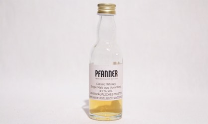 Tasting Pfanner Classic Whisky