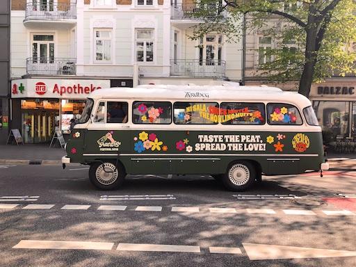 Ardbeg Bus credit Ce+Co für Ardbeg