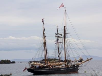 Zwei Segelschiffe