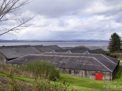 Lagerhäuser mit Dornoch Firth