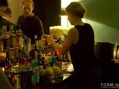 Ein Cocktail entsteht