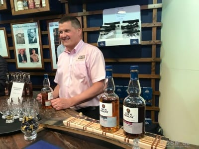 Glen Moray - Graham an der Shop-Bar
