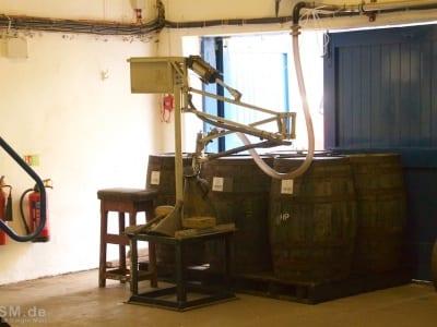 Glen Scotia - Fässer werden befüllt