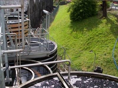 Mortlach Distillery - Wormtubs und Lagerhäuser