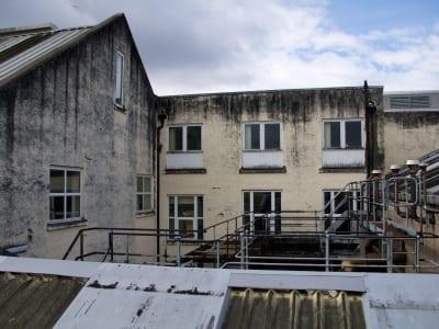 Benrinnes - Gebäuderückseite