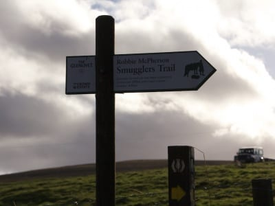 Wegweiser zum Robbie MacPhersons Smugglers Trail