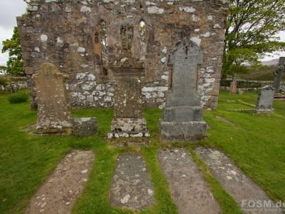 Kildalton Chapel mit Cross