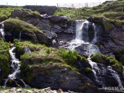 Wasserfall unter der Straße